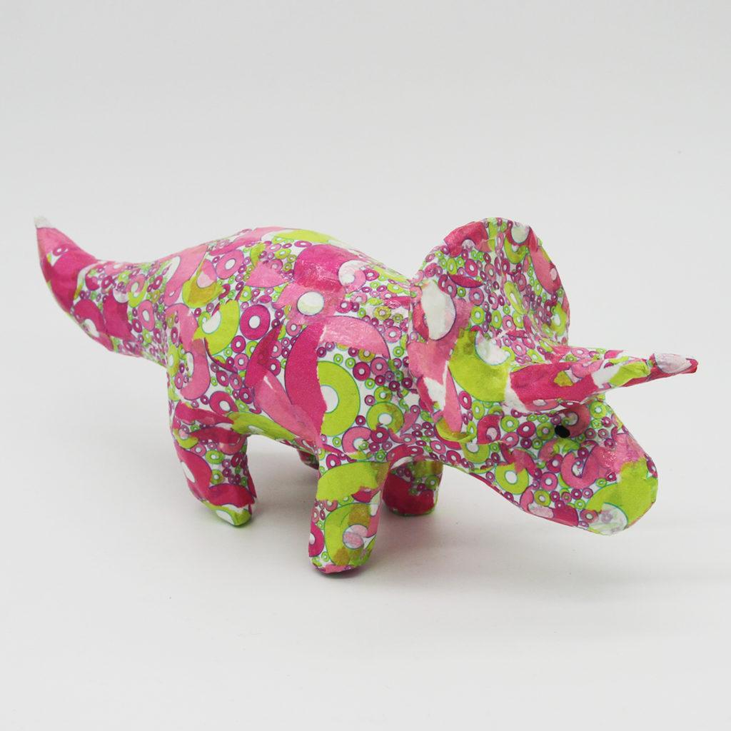 Triceratops rose en papier mâché