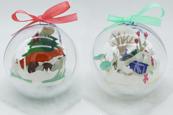 Boules de Noël avec animaux en papier découpé